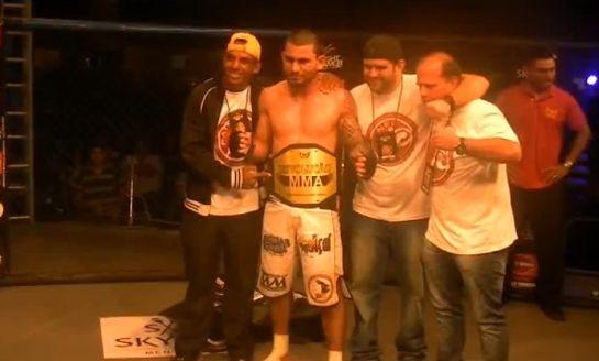 Danilo Mota conquistou cinturão do Revolução MMA em 2013. Foto: O POVO
