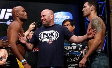 Dana White teve que 'apartar' os dois lutadores. Foto: UFC/Divulgação