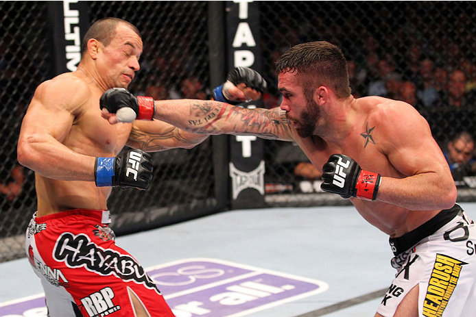 Tibau passou apuros, mas foi superior no combate. Foto: UFC/Divulgação