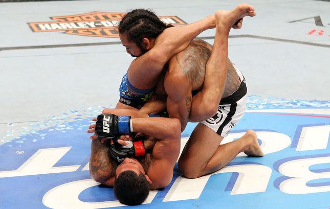 Anthony Pettis finalizou Ben Henderson com uma chave de braço. Foto: UFC/Divulgação