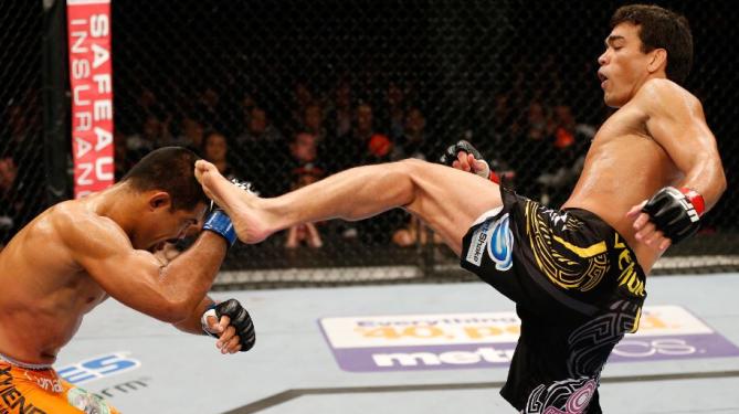 Lyoto definiu a luta com um chutaço certeiro na cabeça de Muñoz. Foto: UFC/Divulgação