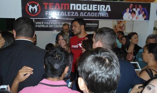 Minotauro foi bastante assediado pelo público. Foto: Bruno Balacó/O POVO