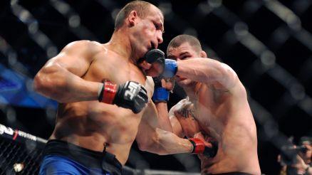 No último encontro, Velasquez dominou e venceu a luta. Foto: UFC/Divulgação
