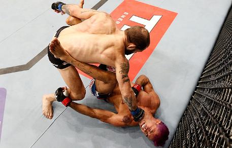 Pepey sofreu um duro nocaute para Sam Sicilia neste sábado. Foto: UFC/Divulgação