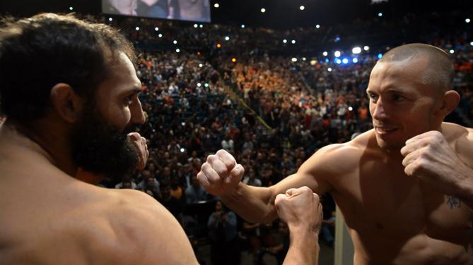 Encarada entre St. Pierre e Hendricks na véspera da luta deste sábado. Foto: UFC/Divulgaçãop