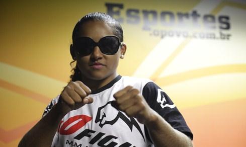 Sucuri enfrenta Nicleide Machado no Bitetti Combat | Foto: Sara Maia/O POVO