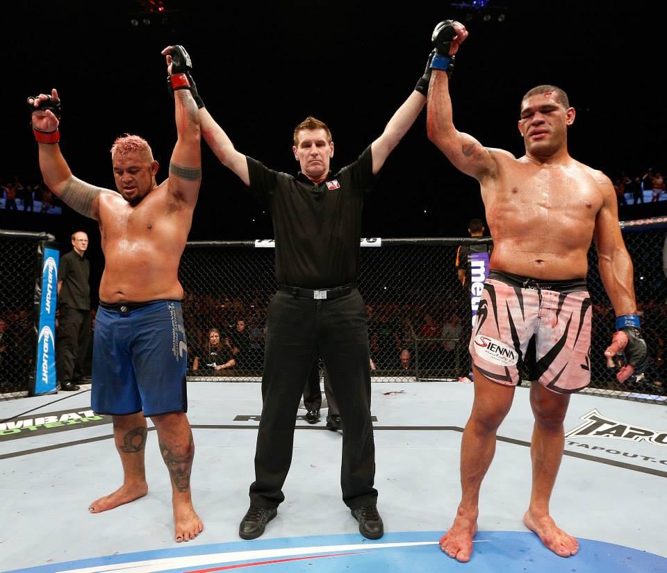 Pezão x Hunt: luta épica e empate como resultado. Foto: UFC / Divulgação