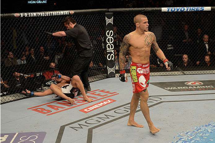 Porier não tomou conhecimento de Diego no fim do 1° round. Foto: UFC/Divulgação