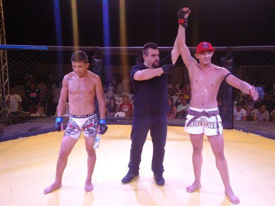 Na última edição do Paracuru Fight, Leandro Naja venceu Charlie Brown no Paracuru Fight | Foto: Lucas Mota/O POVO