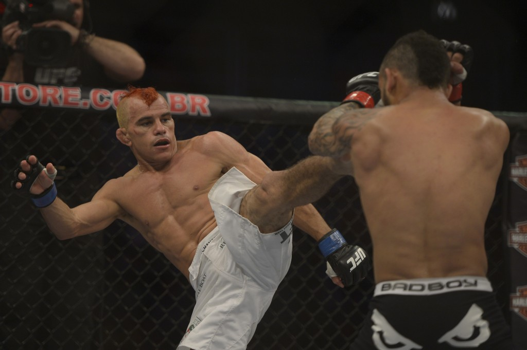 Cearense enfrentou John Lineker na sua primeira luta pelo UFC. Foto: Divulgação / UFC