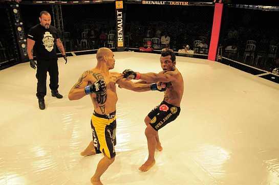 Gringo em ação contra Marcos Babuino no Talent Circuit. Foto: reprodução/Facebook