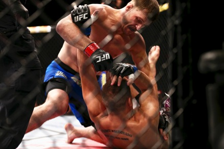 Arrasador, o croata nocauteia o Caipira de Aço. Foto: UFC/Divulgação