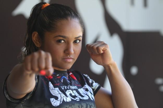 Viviane Sucuri tem um cartel de 11 lutas e 11 vitórias no MMA. Foto: Edimar Soares/O POVO
