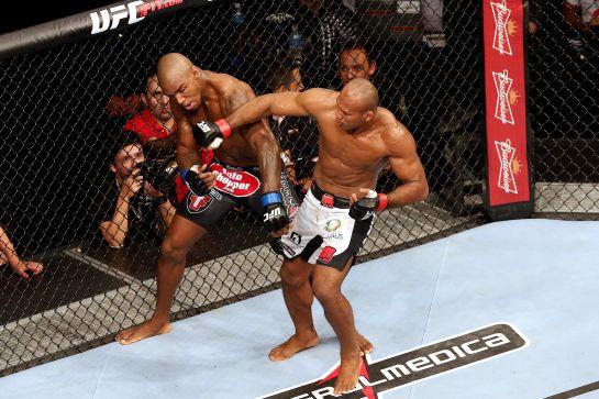 Ronaldo Jacaré venceu Francis Carmont no UFC Fight Night 36 | Foto: William Lucas