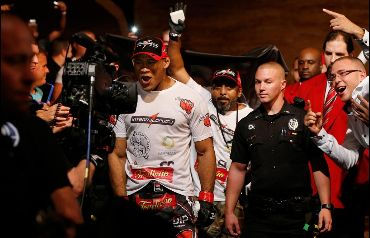Jacaré foi o grande nome do UFC Fight NIght 50 | Foto: UFC/Twitter