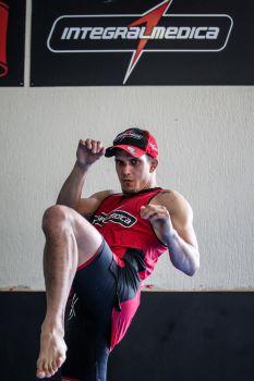 Sertanejo é especialista no jogo em pé | Foto: Gaspar Nobrega/Inovafoto