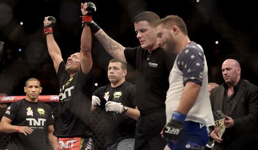 José Aldo foi mais regular e venceu por pontos. Foto: UFC/Divulgação