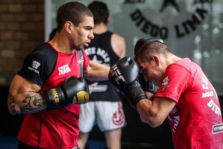 Lucas Mineiro lutará no mesmo card que seu parceiro de treino, Felipe Sertanejo | Foto: Gaspar Nóbrega/Inovafoto