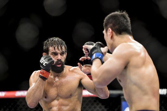 Yan Cabral venceu japonês no UFC 179 | William Lucas/Inovafoto