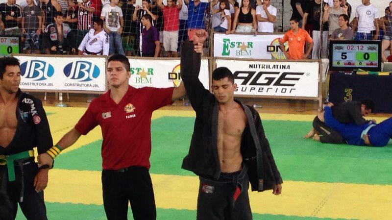 Albuquerque é faixa-preta de jiu-jitsu e competidor nato. Foto: Arquivo Pessoal