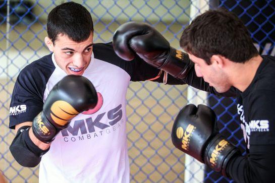 Thomas Alemida é considerado uma promessa do MMA brasileiro   Foto: Gaspar Nóbrega/Inovafoto