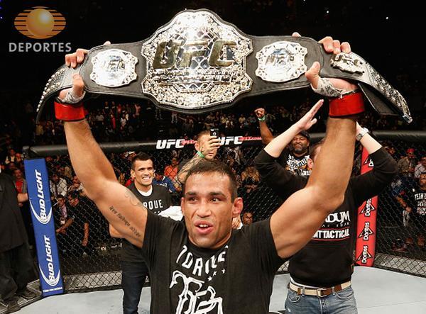 Werdum agora aguarda luta com Velasquez para unificar o cinturão. Foto: UFC/Divulgação