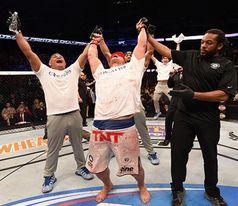 Cigano comemora resultado   Foto; UFC'Divulgação