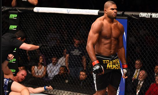 Overeem nocauteou Struve   Foto; UFC'Divulgação