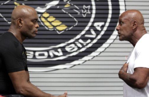 Anderson e Rogério conversam durante treino | Foto: reprodução