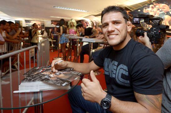 Rafael Dos Anjos confia em suas armas para derrotar Pettis e fazer história | Foto: Alexandre Loureiro / Inovafoto – UFC