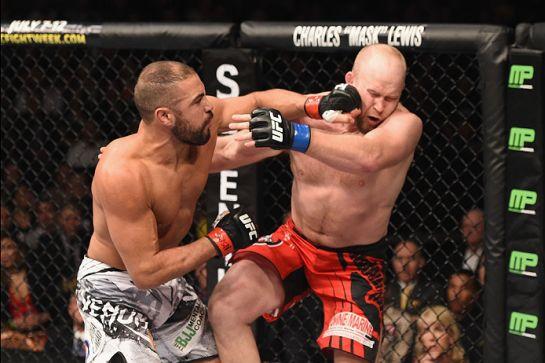 Thales Leites venceu Tim Boetsch e alcançou quinta vitória consecutiva no UFC | Foto: UFC/Divulgação