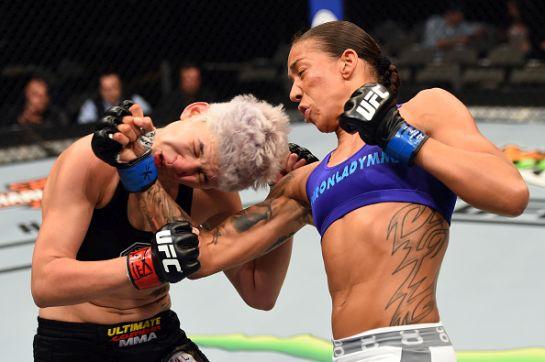 Golpe que definiu o duelo   Foto: UFC