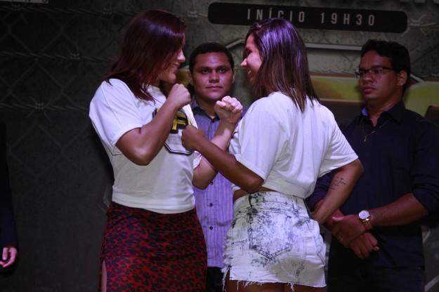 Encarada promocional entre Ilara (esquerda) e Regina. Foto: Divulgação