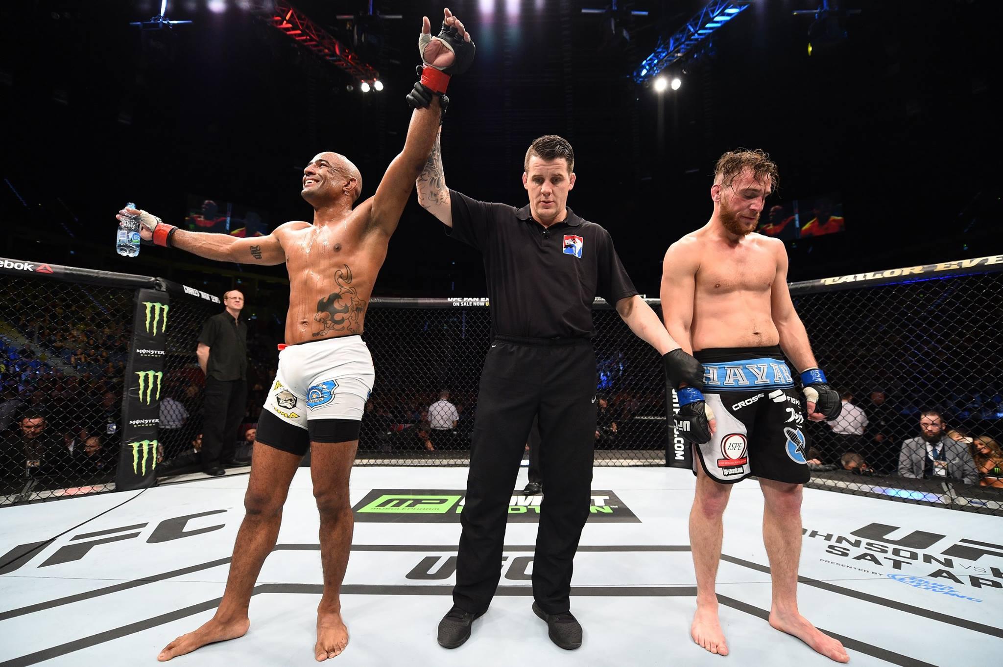 Serginho venceu por decisão unânime. Foto: UFC/Divulgação