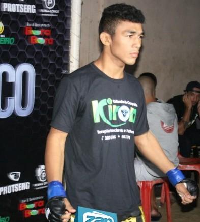 Jefferson estrou no MMA mostrando bem o seu cartão de visitas. Foto: Portal Zap