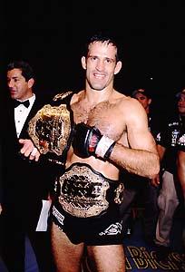 Bustamante conquistou o cinturão do UFC em 2002. Foto: Arquivo Pessoal
