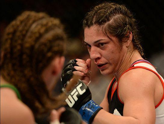 Bethe Correia: mãos pesadas e língua afiada | Foto: UFC/Divulgação