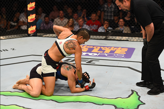 Amanda dominou a americana   Foto: UFC/Divulgação