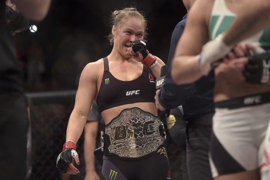 Ronda segue invicta e campeã do UFC   Alexandre Loureiro/inovafoto