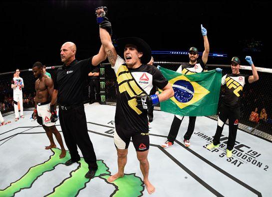 Sertanejo venceu por finalização no primeiro round | Foto: UFC/Divulgação