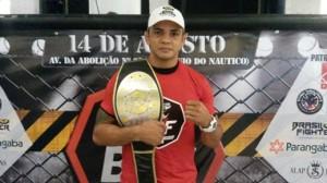 Carlos Índio tem mais de 40 lutas no cartel. Foto: Bruno Balacó/O POVO