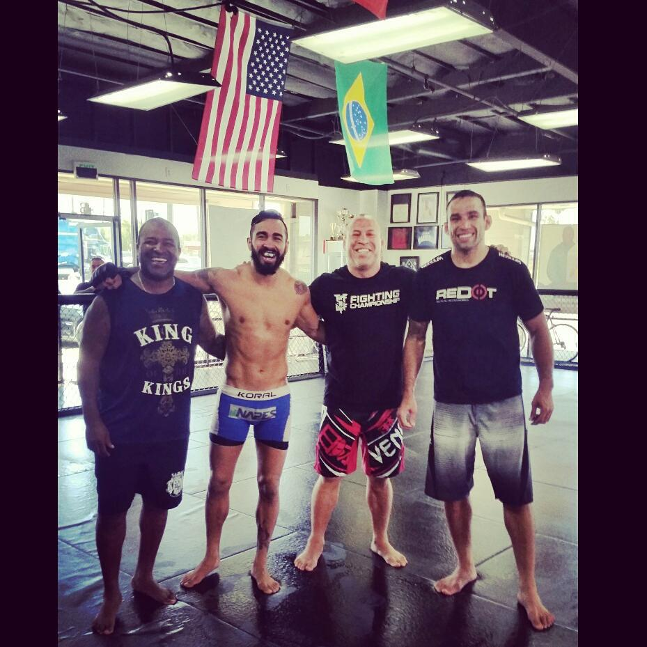Pepey na Kings MMA com Wanderlei Silva, Fabrício Werdum e Rafael Cordeiro. Foto: Arquivo Pessoal.