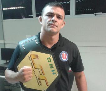 Naja tem 35 lutas profissionais de MMA. Foto: Arquivo Pessoal
