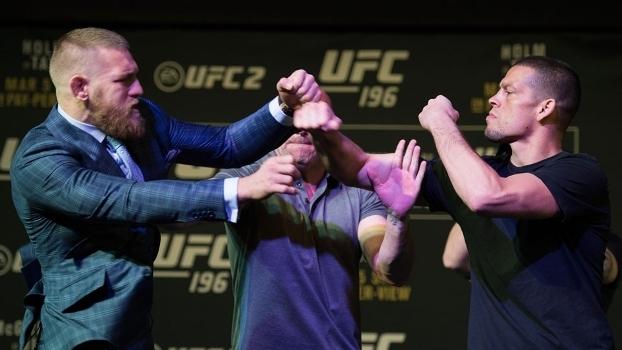 Dois lutadores quase 'saem no braço'. Foto: Divulgação\UFC