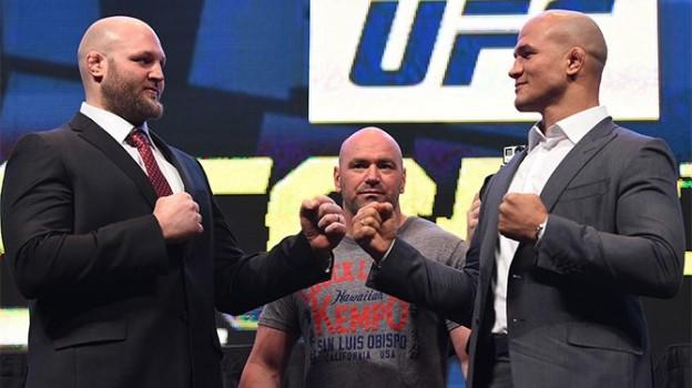 Encarada promocional entre Cigano (direita) e Rothwell. Foto: UFC/Divulgação