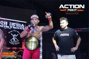James conquistou o cinturão dos leves na 2ª edição do Action Fight. Foto: Divulgação