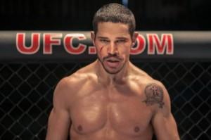 José Loreto caracterizado como o lutador de MMA no filme. Foto: Divulgação