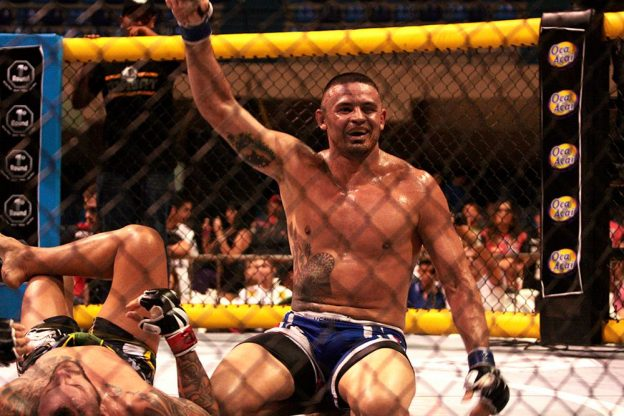 Caião Alencar venceu a luta principal da noite. Foto: Divulgação