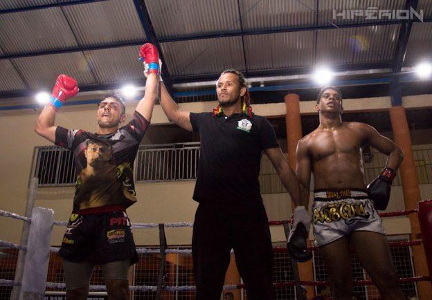 Célio levou a melhor na luta principal da noite. Foto: Hiperion/Divulgação