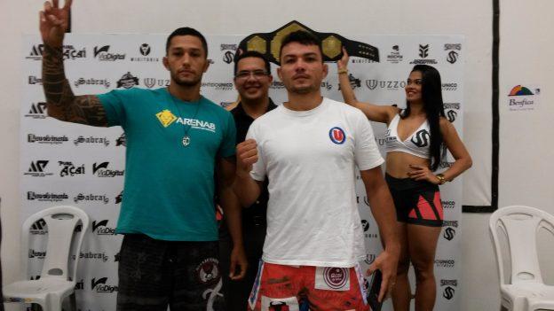 Encarada amistosa entre os dois lutadores. Foto: Bruno Balacó/O POVO